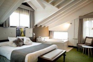 hotel con jacuzzi en cantabria