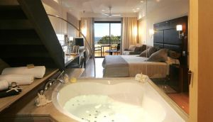 hotel con jacuzzi ibiza