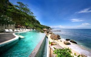 hotel con piscina bali